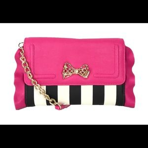 NEW ❤️BETSEY JOHNSON Flouncing Shoulder Handbag